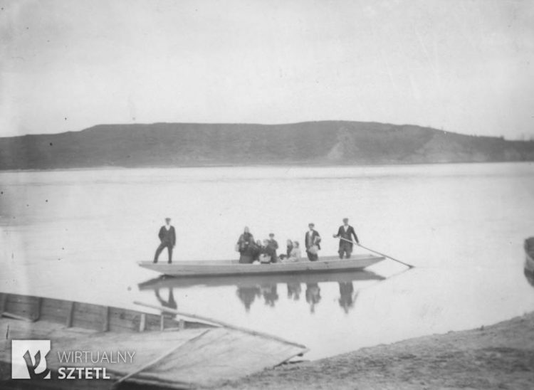 Fot. Wzgórze, na którym Tadeusz Kościuszko ogłosił Uniwersał Połaniecki, widok zza Wisły, lata 30-te XX wieku